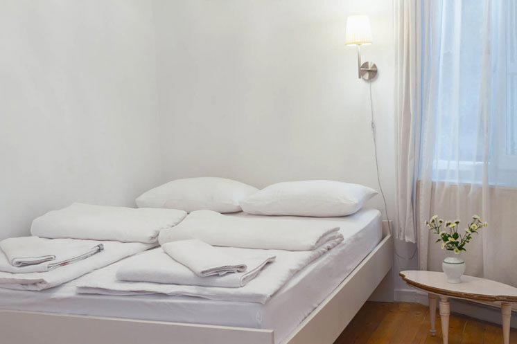 Living-Istanbul-Emin-Cami-linkes-Schlafzimmer-2